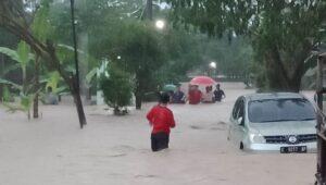 bencana Banjir di Perumahan Dinar Indah, Meteseh, Tembalang.